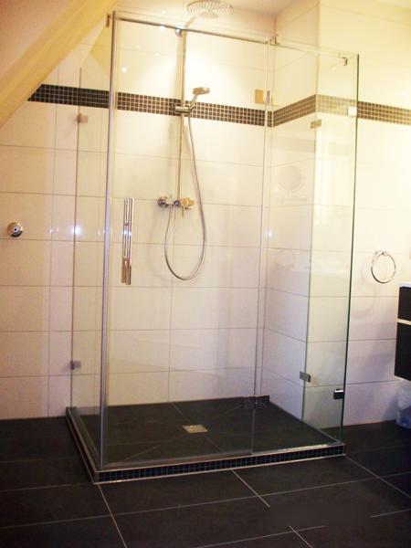 duschkabinen glas und spiegel thomas maier. Black Bedroom Furniture Sets. Home Design Ideas